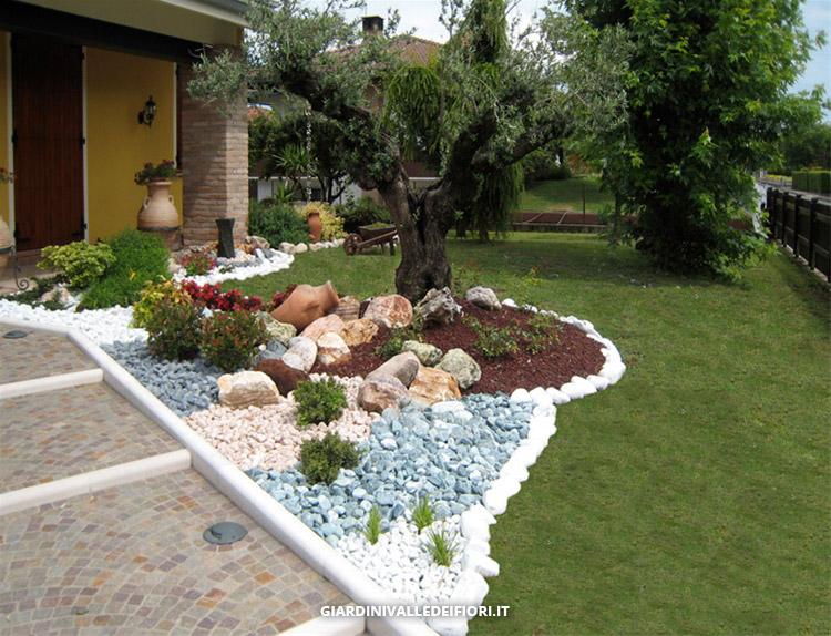 Realizzazione giardini servizi aree verdi parchi pubblici for Immagini giardini case