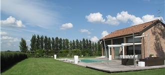 Privati progettazione giardini realizzazione parchi e for Design semplice casa del fienile